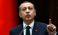 Turkey beefs up forces on Syria border