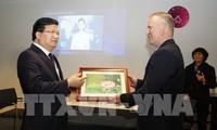 Deputy PM Trinh Dinh Dung meets Dutch Prime Minister Mark Rutte