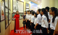 Exhibition features historical evidence on Vietnam's Hoang Sa and Truong Sa archipelagoes