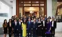 브엉 딘 후에 (Vương Đình Huệ) 부총리, 미얀마 재정계획부 장관 접견, 미얀마 소재 베트남 기업 대표들과 만남