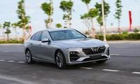 빈패스트, 고급형 고성능 자동차 Lux V8와 전기 자동차 출시