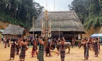꺼뚜 (Cơ Tu) 소수민족 산림 사은제 (謝恩祭)