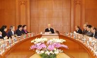 응우옌 푸 쫑 서기장 – 국가주석, 11기 공산당대회 문건소위원회 회의 주재