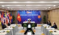 응우옌 쑤언 푹 총리 : 아세안, 코로나19 대응에 대한 단결과 결단 표명