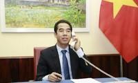 베트남 – 영국, 코로나19 방역 협력과 쌍방 관계 촉진
