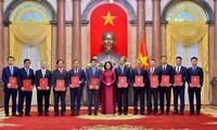 당 티 응옥 틴 국가부주석, 2020-2023임기 12명 대사 임명장 수여