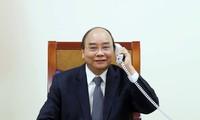 응우옌 쑤언 푹 총리, 엑손 모빌 그룹 회장과 전화 대담