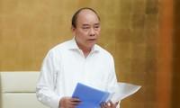 응우옌 쑤언 푹 총리, 코로나19에 대한 정부상임회의 주재