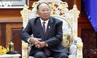 캄보디아 국회의장, 레 카 피에우 전서기장 별세 조전을 전달