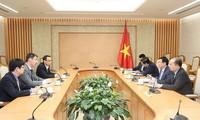 Le gouvernement vietnamien apprécie les avis des experts dans la gestion macroéconomique