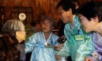 La Croix-Rouge organise des retrouvailles de familles déchirées par la guerre de Corée