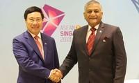 Pham Binh Minh rencontre le ministre d'état indien aux Affaires étrangères