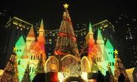 Hanoi brille de mille feux à l'approche de Noël