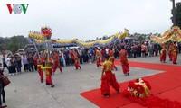 Quang Ninh accueille les premiers visiteurs de l'année du Cochon