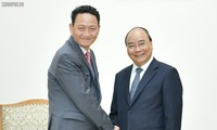 Nguyên Xuân Phuc reçoit l'ambassadeur sud-coréen