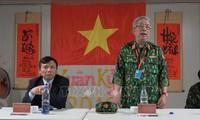 Nguyên Chi Vinh travaille avec les responsables de la MINUSS au Soudan du Sud
