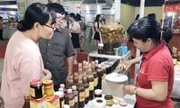 Ouverture de la foire «Acheter les marchandises vietnamiennes » à Hô Chi Minh-Ville