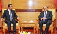 Funérailles de Lê Duc Anh: Nguyên Xuân Phuc reçoit des dirigeants laotiens et cambodgiens