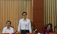 Vu Duc Dam suggère à la province d'An Giang de privilégier l'éducation et la santé
