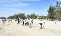 Camp d'été 2019: assainir la plage My Khê à Quang Ngai