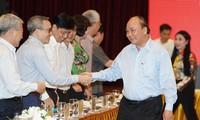 Réunion du groupe de rédaction de la sous-commission socio-économique du 13e congrès du PCV