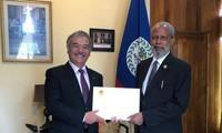 Le gouverneur général du Belize impressionné par les acquis socio-économiques du Vietnam