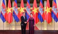 Le Premier ministre cambodgien rencontre la présidente de l'AN vietnamienne