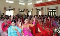 Les Vietnamiennes participent activement au développement social et économique
