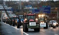 Manifestations: près de 1.000 tracteurs ont perturbé la circulation à Paris et en Ile-de-France