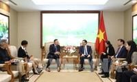 Le vice-Premier ministre Vuong Dinh Huê reçoit des entrepreneurs américains