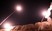 Iran : les frappes qui ont visé des cibles américaines sont qu'un début d'une vaste opération