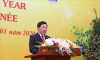 Pham Binh Minh présente ses vœux de Têt aux diplomates étrangers