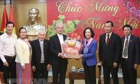 Truong Thi Mai reçoit le président du comité de solidarité catholique