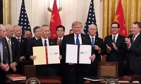 Les États-Unis et la Chine signent un accord commercial «historique»