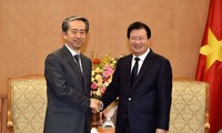 Trinh Dinh Dung reçoit l'ambassadeur chinois au Vietnam