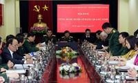 Table ronde «Avancer à pas sûr sous le drapeau du Parti communiste vietnamien»
