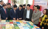 Exposition de livre en l'honneur des 90 ans du Parti