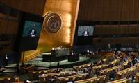 Covid-19: les 193 pays de l'ONU réclament un «accès équitable» aux «futurs vaccins»
