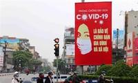 Covid-19: les ambassadeurs russe et chilien congratulent le Vietnam
