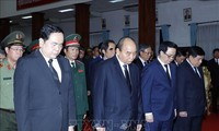 Nguyên Xuân Phuc aux funérailles nationales de l'ancien Premier ministre laotien Sisavat Keobounphanh