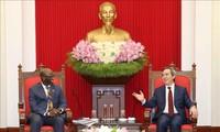 Nguyên Van Binh reçoit le directeur sortant de la Banque mondiale au Vietnam