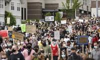 Manifestations contre les violences policières: Trump promet de répondre par «la force» aux manifestants