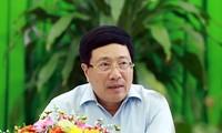 Pham Binh Minh travaille avec les autorités du delta du Mékong