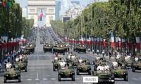 14 juillet: La France rend hommage aux soignants