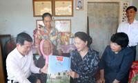 Des cadeaux offerts aux familles bénéficiant des politiques sociales de Bà Ria-Vung Tàu