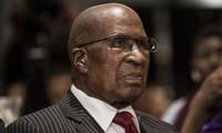 Décès du Sud-Africain Andrew Mlangeni, figure de la lutte contre l'apartheid