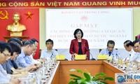 Rencontre avec de nouveaux ambassadeurs du Vietnam à l'étranger