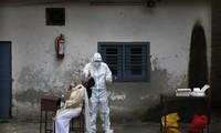 Coronavirus dans le monde: 1.160 morts aux États-Unis, 1.215 au Brésil et 455 au Mexique en 24h