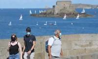Coronavirus: la France réduit la quarantaine des personnes testées positives à sept jours