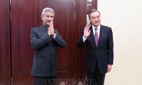 L'Inde et la Chine s'engagent à « apaiser les tensions » à leurs frontières